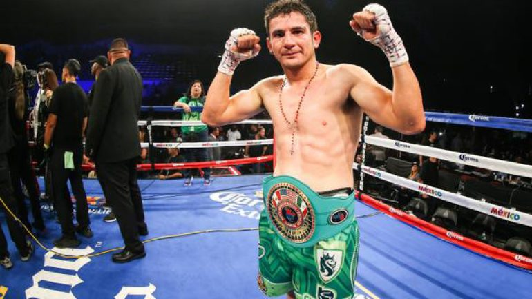 Mauricio Herrera edges Hank Lundy by technical majority decision