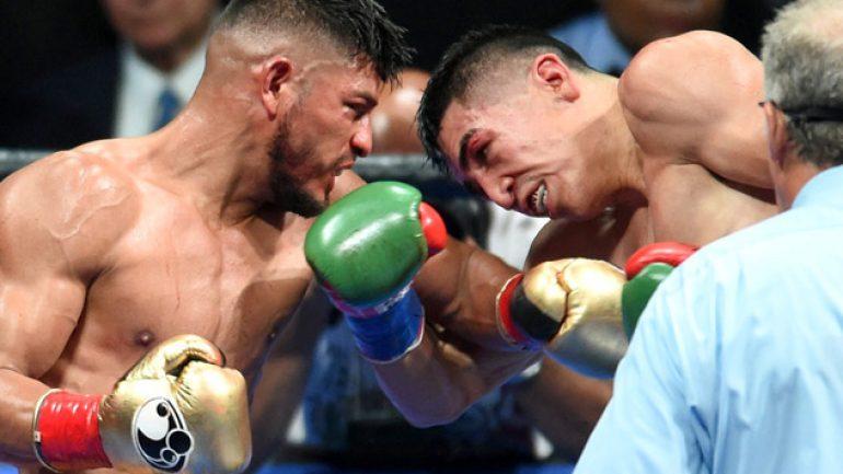 Photo gallery: Leo Santa Cruz vs. Abner Mares