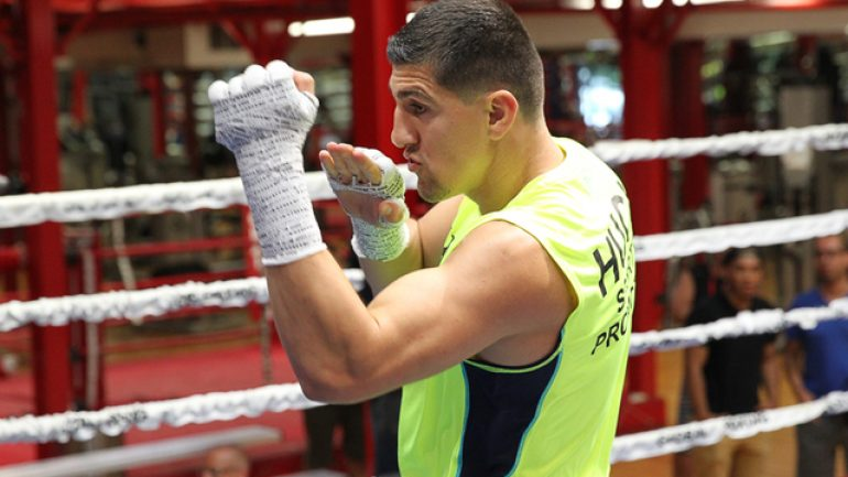 Marco Huck punctuates series with 10th-round TKO of Afolabi