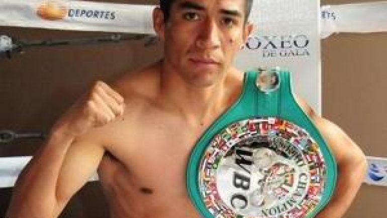 Ganigan Lopez keeps WBC 108-pound belt with UD over Jonathan Taconing
