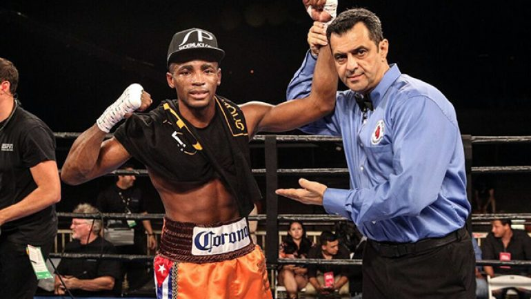 Press release: Erislandy Lara stops Jan Zaveck in three rounds