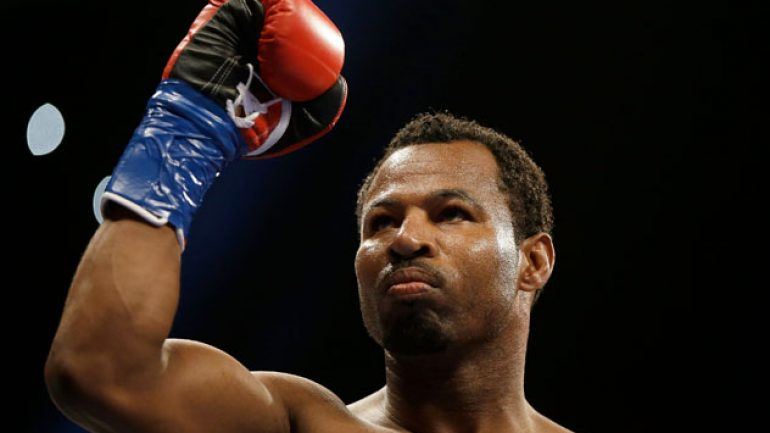 Shane Mosley rolls on with stoppage of Patrick Lopez in Panama