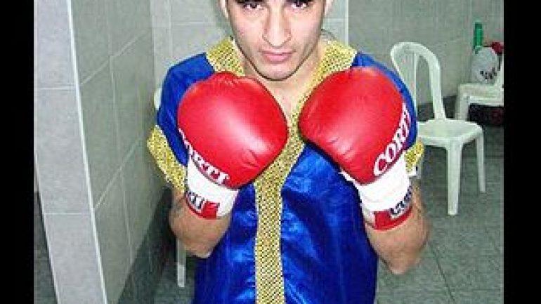 Carlos Ruiz to face Joel Montes De Oca on Friday