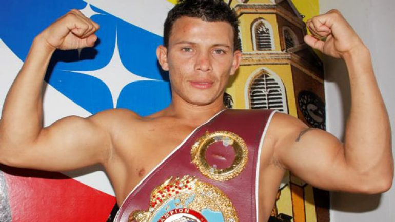 Oscar Escandon stops Robinson Castellanos to earn title shot