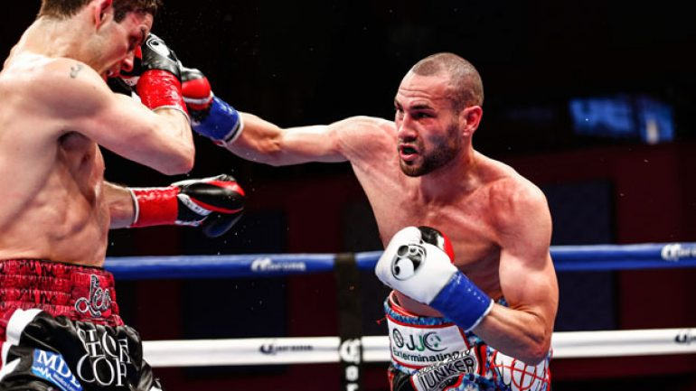 Jose Pedraza outpoints Stephen Smith in second title defense