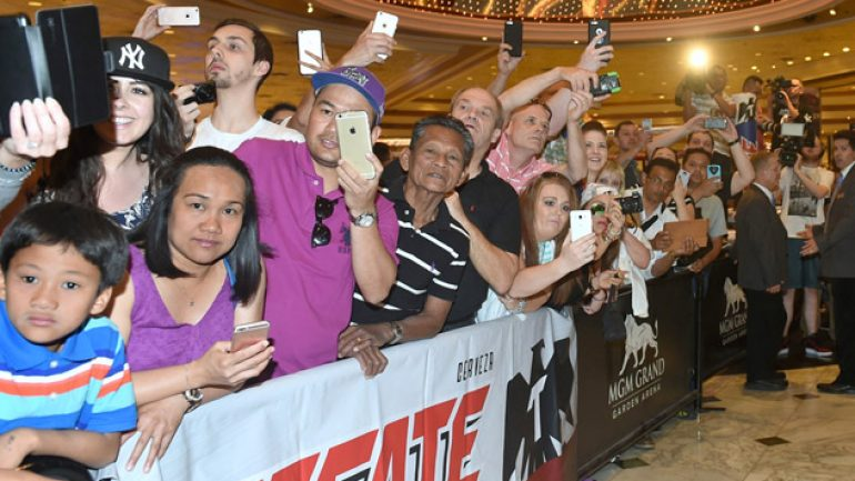 Photo gallery: Manny Pacquiao and Tim Bradley arrive in Las Vegas
