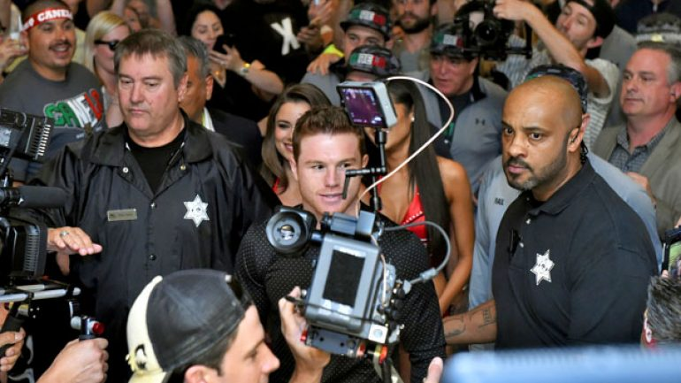 Photo gallery: Canelo Alvarez, Amir Khan arrive in Las Vegas