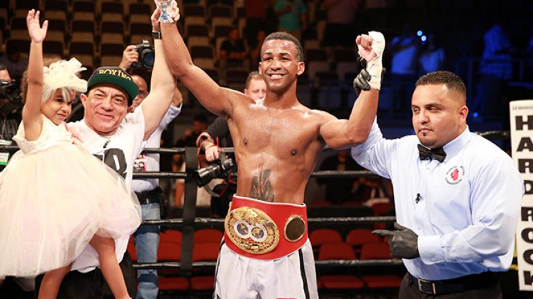 Rances Barthelemy outpoints Micky Bey, keeps IBF title