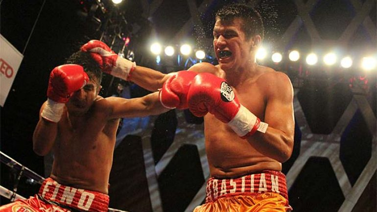 Sebastian Diaz and Carlos Ruiz fight to a draw