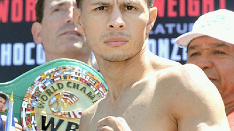 McWilliams Arroyo stops Abraham Rodriguez, wins interim flyweight title