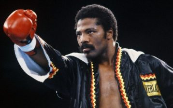 WBA junior welterweight champion Aaron Pryor poses in his customary