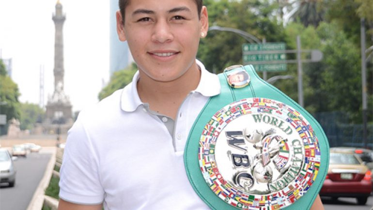 Andres Gutierrez stops Wallington Orobio in six
