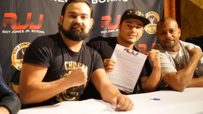 Roy Jones Jr. adds Bryan Vasquez to promotional stable