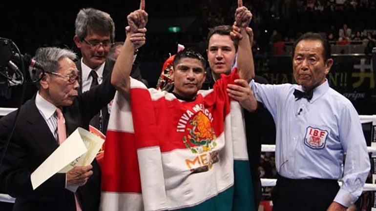 Argumedo stops Jimenez in three, retains IBF 105-pound belt