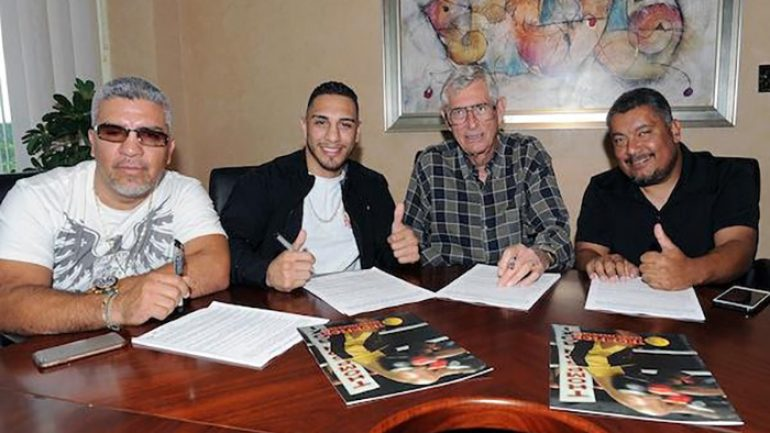 Thompson Boxing signs lightweight standout Manuel Mendez