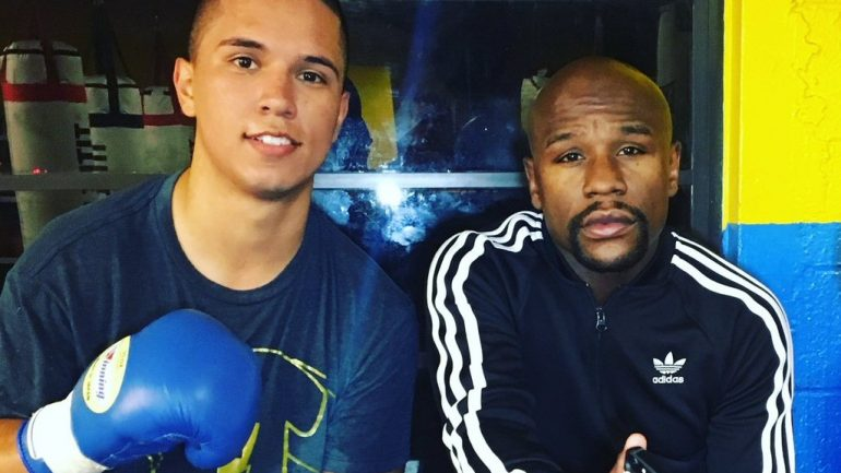 Saul Rodriguez signs with Mayweather Promotions