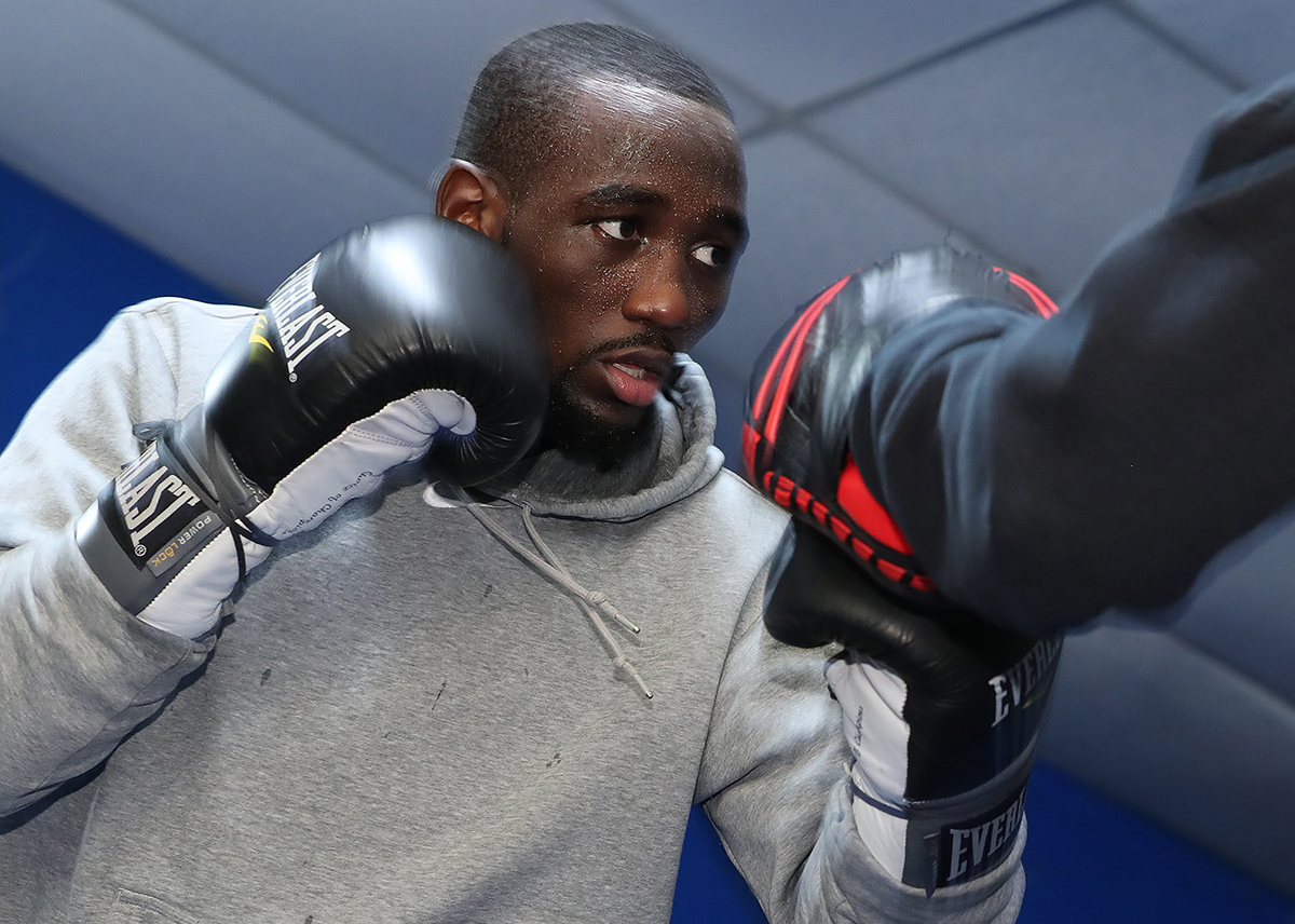 Terence Crawford and Felix Diaz make weight for title ...