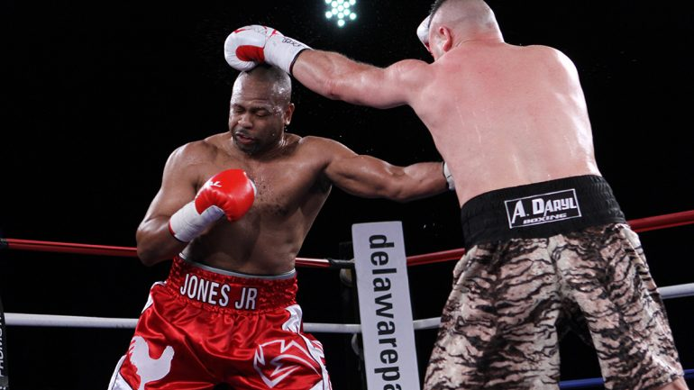 Roy Jones Jr. stops Bobby Gunn in eight, wants to continue fighting
