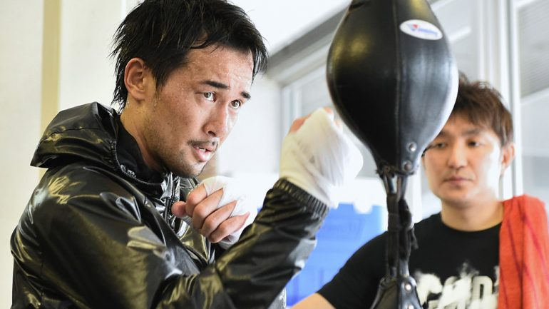 Yamanaka punishes Carlson over seven rounds for 12th defense