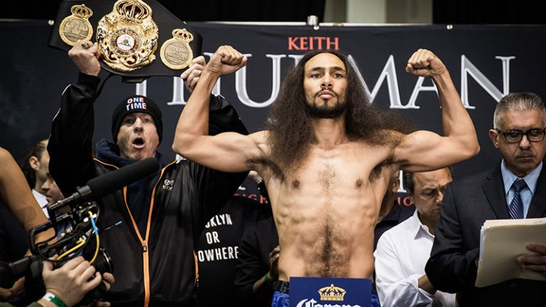 Keith Thurman defeats Danny Garcia by split decision