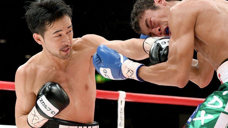 Shinsuke Yamanaka vs. Carlos Carlson