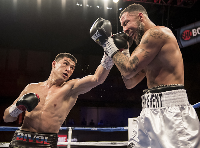 Dmitry Bivol (left) vs. Samuel Clarkson. Photo credit: Matthew Heasley