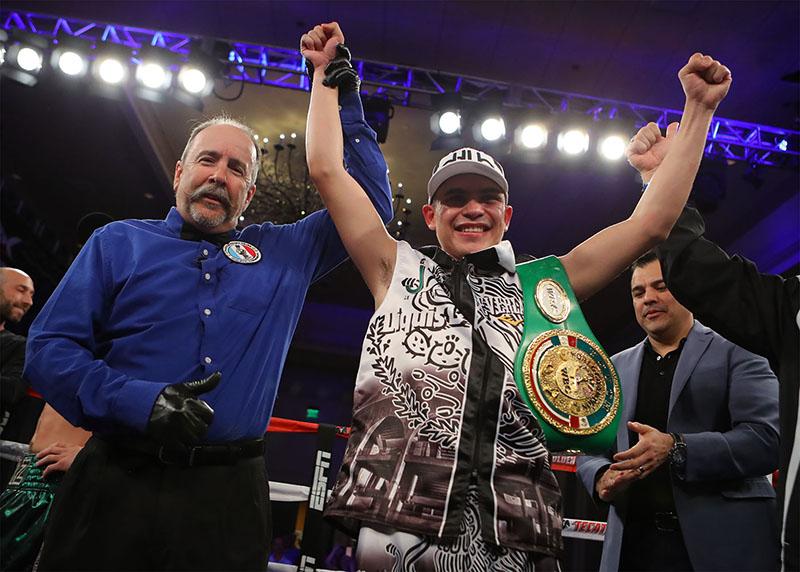 Diego De La Hoya vs Erik Ruiz Hoganphotos - Diego De La Hoya is determined to undo disappointments of past year