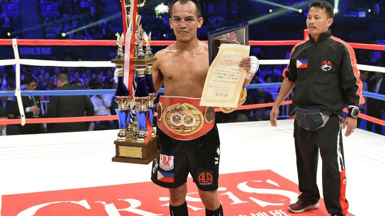 Melindo blows out Yaegashi to win title, Inoue stops Rodriguez