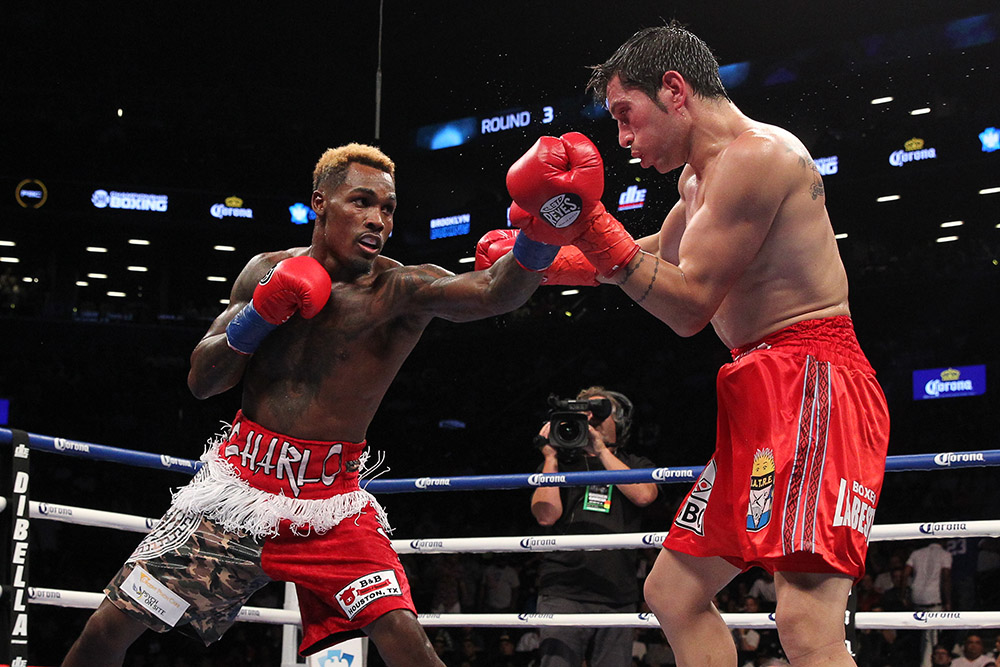 jermall charlo blasts out jorge heiland in four in 160. Black Bedroom Furniture Sets. Home Design Ideas