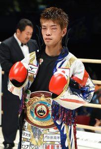 Kosei Tanaka vs Ransgsan Chayanram photo Naoki Fukuda14 204x300 - Dougie's Monday mailbag (Errol Spence-Mikey Garcia reaction, David Benavidez, Luis Nery)