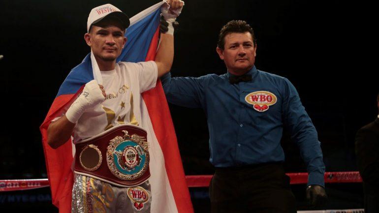 Jose Martinez gets the better of Jesus Martinez, scores fourth-round knockout
