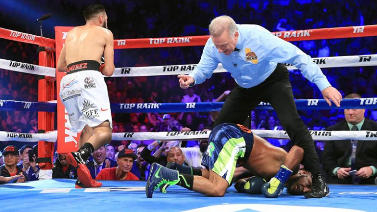 Jose Ramirez stops Mike Reed in Round 2, earns junior welterweight title shot