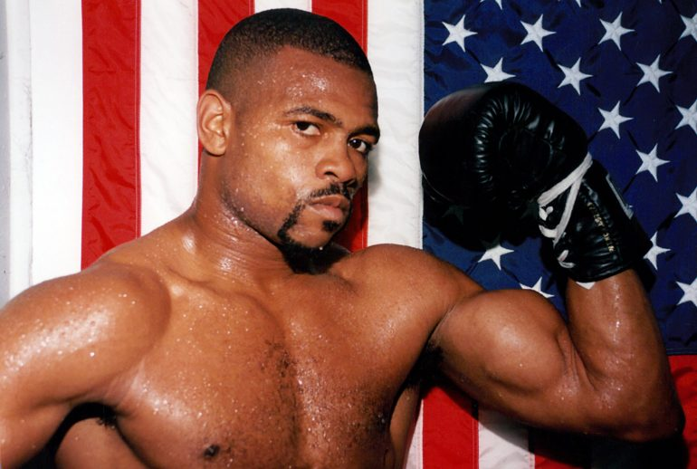 roy jones jr shines in his farewell fight outpoints. Black Bedroom Furniture Sets. Home Design Ideas