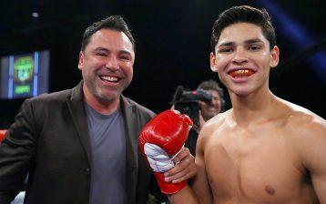 Ryan Garcia (right) and one of his biggest fans, Golden Boy Promotions founder Oscar De La Hoya. Photo credit: HoganPhotos/Golden Boy Promotions