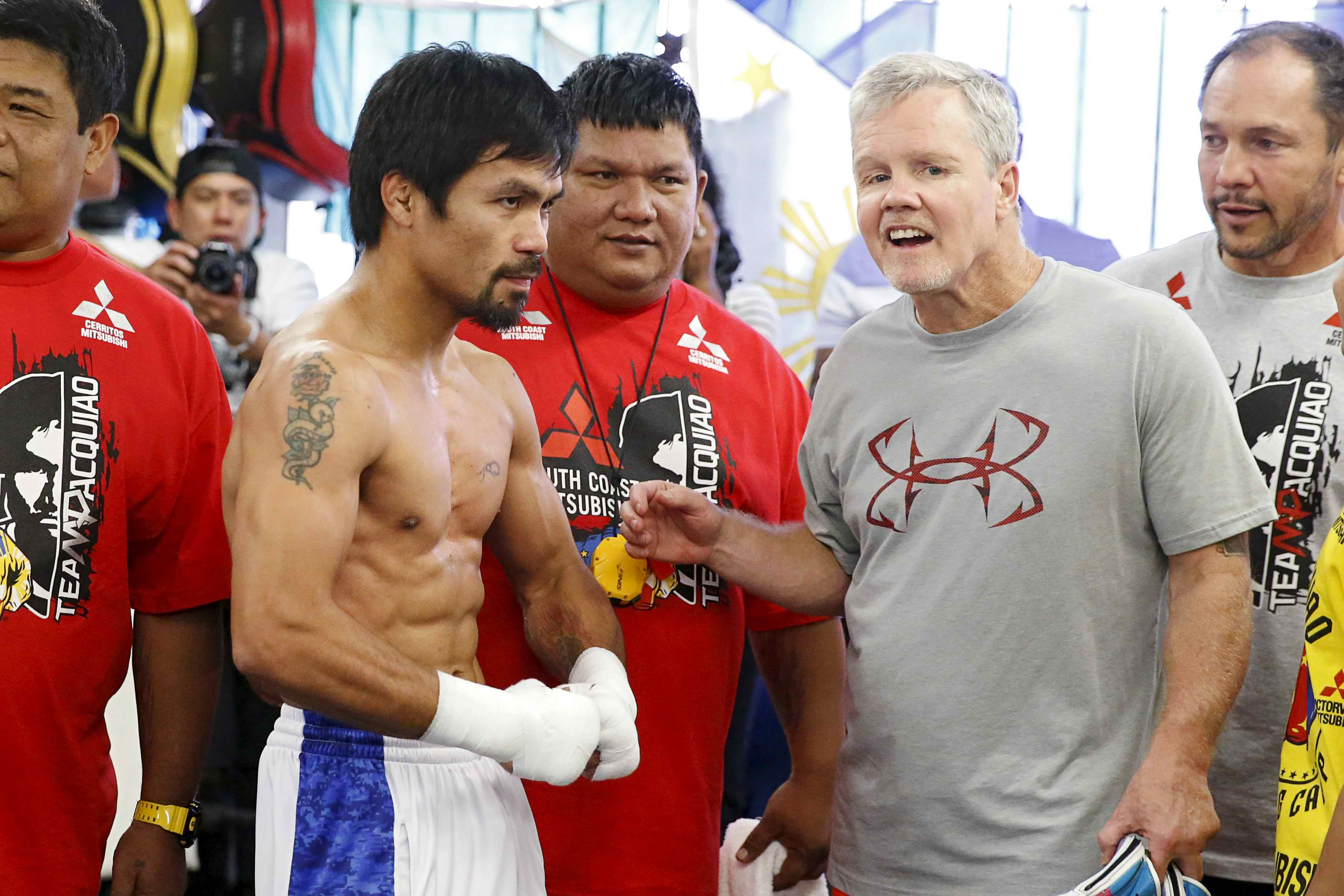 outlet store 06e1d 1adee Manny Pacquiao parts ways with Freddie Roach ahead of Lucas Matthysse bout  - The Ring