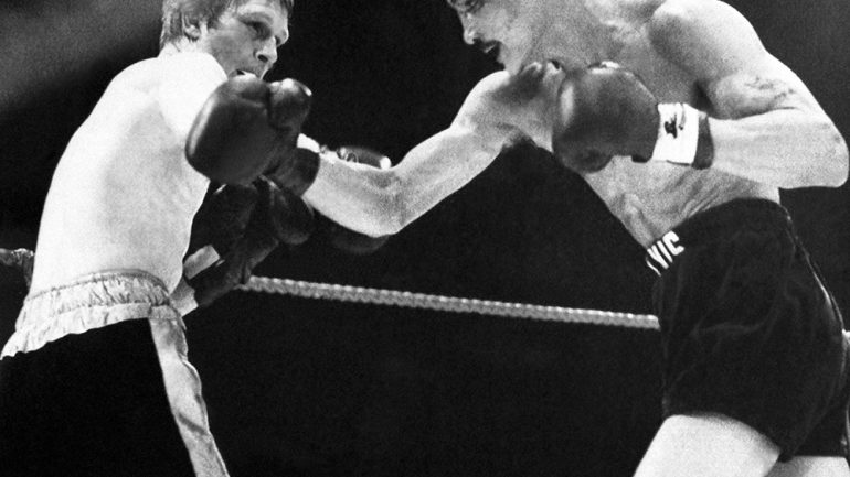 Dougie's Friday Mailbag (Ranking WBC lightweight titleholders, Bert Sugar's Greatest Fighters)