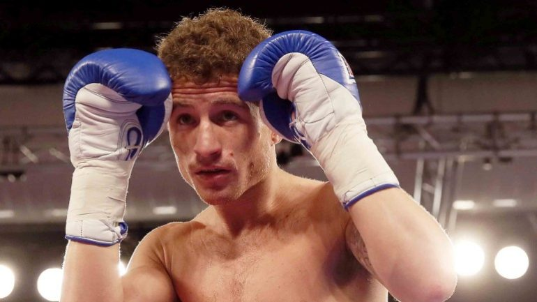 Robbie Davis Jr. signs three-fight deal with Matchroom Boxing