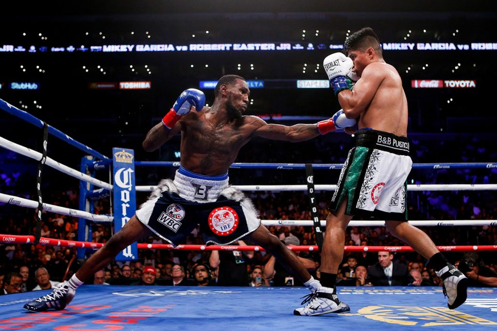 Mikey Garcia (right) vs. Robert Easter Jr.