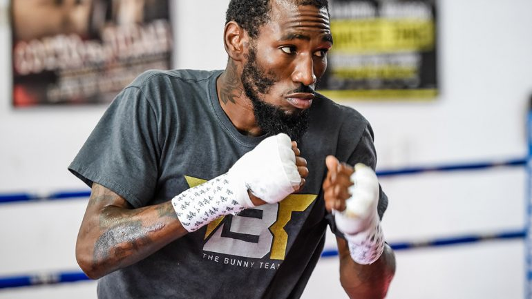 Photo gallery: Robert Easter Jr. in training