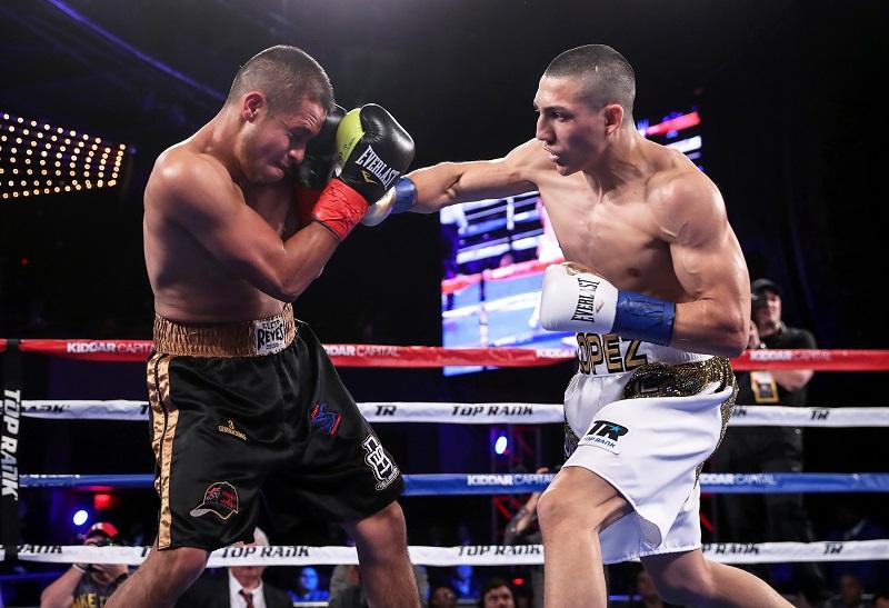 Lightweight Teofimo Lopez (right) vs. Daniel Bastien. Photo credit: Mikey Williams/Top Rank