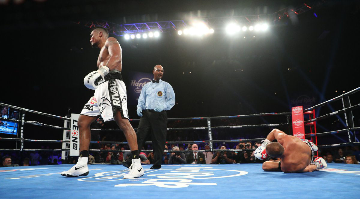 Eleider Alvarez (standing) vs. Sergey Kovalev. Photo courtesy of HBO Boxing