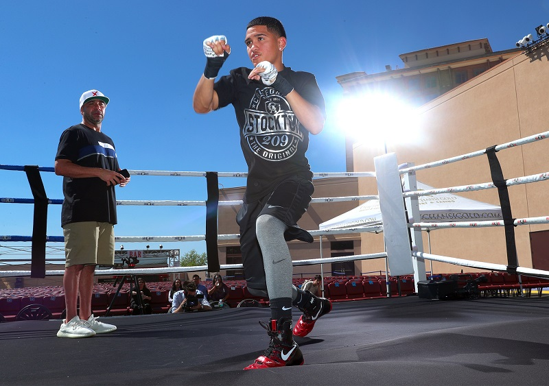 Undefeated junior lightweight prospect Gabriel Flores Jr. Photo credit: Mikey Williams/Top Rank
