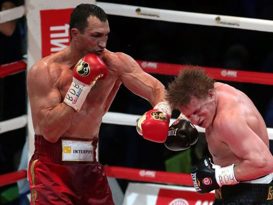 Former world heavyweight champion Wladimir Klitschko (left) vs. Alexander Povetkin. Photo credit: Maxim Shipenkov/EPA