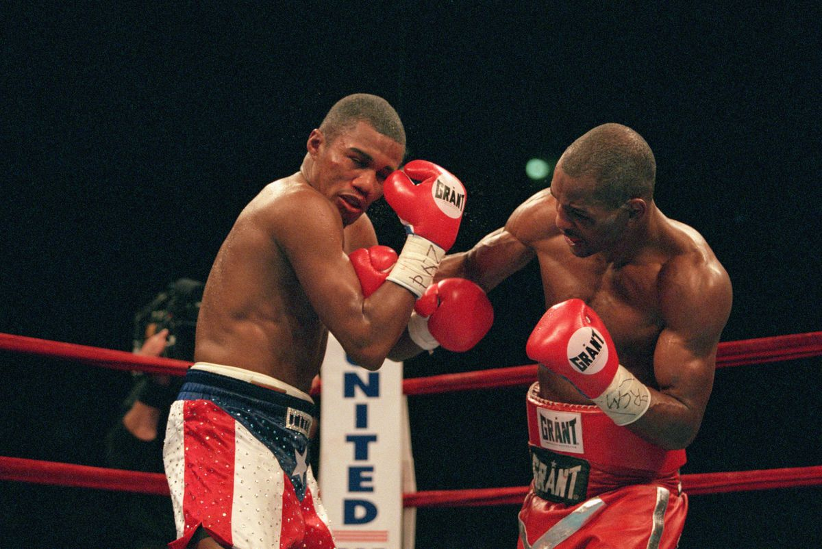 Bernard Hopkins (right) vs. Felix Trinidad - Photo credit: Al Bello/Getty Images