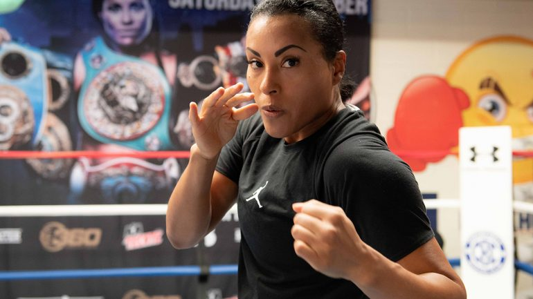 Photo gallery: Cecilia Braekhus trains for Aleksandra Lopes