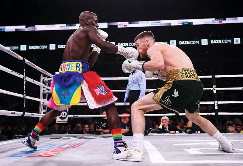GettyImages 1052647076contents - Tevin Farmer loads up for a hometown defense in Philly on March 15