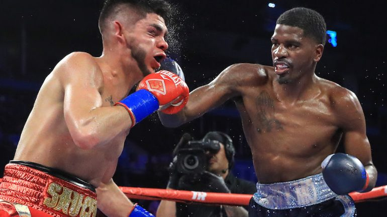 Maurice Hooker climbs off canvas to stop Alex Saucedo in Round 7 of thrilling title defense