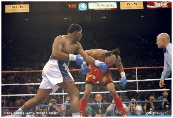 Riddick Bowe (left) vs. Jorge Luis Gonzalez. Photo credit: Holly Stein/Hogan Photos
