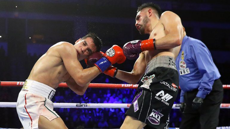 Jose Ramirez rallies from early deficit, outpoints Jose Zepeda to retain title