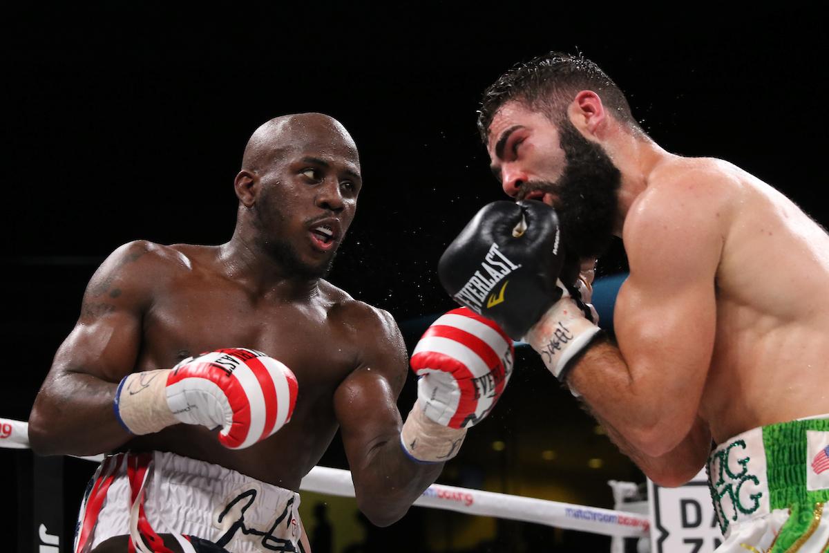 Tevin Farmer (left) vs. Jono Carroll. Photo by Melina Pizano/Matchroom Boxing USA